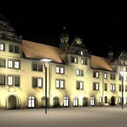 Fassadenbeleuchtung für das Rathaus Torgau mit angrenzendem Marktplatz.