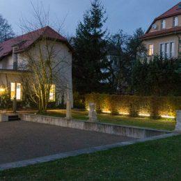 Gartenbeleuchtung des Haus der Architekten in Dresden, Beleuchtung von Bäumen und Hecke