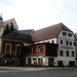 Gesamtansicht des Deutschen Hauses in Tharandt. Foto aufgenommen im Rahmen einer denkmalschutzgerechten Zustandsdokumentation.