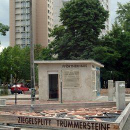 Das Pförtnerhaus der ehemaligen Betonfabrik in Dresden Johannstadt als Teil des Plattenbaumuseums Betonzeitschiene.